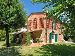 Holiday house for 12 persons, with swimming pool , in Pisa