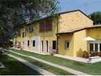 Renovated apartment for 5 persons, with swimming pool , in Bardolino