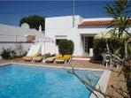 Holiday house for 4 persons, with swimming pool , in Olhos de Agua