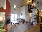 Great location sleeps 12! 2 blks to Conv Ctr & 6th