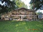 THE BEST PLACE TO STAY ON LAKE DUNLAP-BEAR HAUS