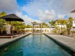 Stylish Garden Villas Iguana - tropical gardens, saltwater pool & short drive to Pink Beach