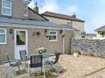 TIN MINE COTTAGE, character cottage withwoodburner, close amenities, Heartlands park, beaches in Camborne Ref 9676