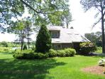 #8800 Lovely 4BR Home W. Views Of Sengekontacket