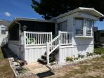 Paul's Place- Cozy and Lovely 3 Bedroom Mobilehome, Just 500 ft from Beach