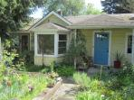 The Happy House - A Seattle Urban Oasis