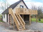 SQUIRREL LODGE, first floor apartment, off road parking, balcony, near Croy, Ref 5955