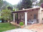 West- Indian style villa 20 minutes from Nice. AZR 062
