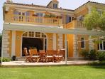 5 min walk from the center of St. Tropez. AZR 313