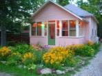 Polka Dot- Whimsical 3 Br Lake Cottage In Caroga