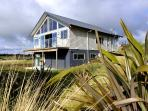 Kowhai Lodge - Ohakune Modern Holiday Home