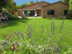 Beautiful garden, privacy, luxury, central position