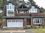Pacific Breeze is a 5 bedroom 4 bath home with lots of space sleeps 10 - 48558