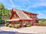 A Mountain Endeavor 282, 2 bedroom luxury log townhouse, close to Dollywood