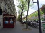 Other street section end (Reservoir right) offers a Michelin 'bistrot' restaurant...
