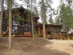 Lakefront Log home with private dock-sleeps 20