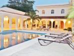 Casa Rosa - Entire City Block, Huge Pool, Absolutely Privacy&Security