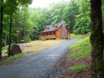 Log home close to all shopping and casinos