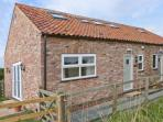 THE BARN family-friendly, clsoe to York, comfortable accommodation in Stamford Bridge Ref 21067