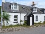 CRAIGWELL, open fire, pets welcome, within 1 mile of Loch Ness, in Drumnadrochit, Ref. 26782