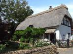CIDER MILL COTTAGE, family-friendly, thatched roof, character features in Alderton, Ref 28146