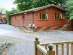 LAKESHAVEN detached lodge, close to Windermere, on-site pool in Troutbeck Bridge Ref 28353