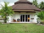 stunning1 bedroom beach front house in Dauin, negros, Philppines for rent
