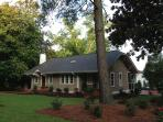 Pinehurst Cottage...Historic District Old Town