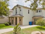 Lovely home near Sea World & Lackland AFB.