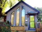 Modern 3BR Upper Beaches Cottage Style Home