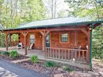 Tellico Cabins 'Bear' Log Cabin With Hot Tub