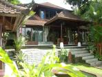 Beautiful 3 bedroom with pool in the heart of Ubud