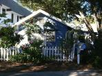Cute  HISTORIC Cottage WEEKLY RENTALS Within Walking Distance To Downtown Stuart