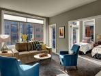 Bright and eclectic - Courtyard-facing unit is ideal for families and groups