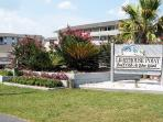 Lighthouse Point Beach Club - Unit 25A - Swimming Pools - Tennis Courts - FREE Wi-Fi