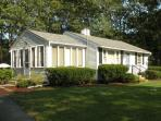 Cute Osterville Cottage/ Desirable Wianno Village/ Walk to beach and village FREE PASS