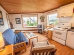 Cozy, West Coast Suite - Cedar Nook