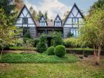 Luxurious Deer Lodge near Brevard and Asheville