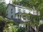 4br 1850S Farmhouse With Meadow And Mountain Views