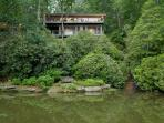Unique 5 bed, beautifully updated, and spacious lakefront vacation home on Lake Toxaway, perfect for a large family