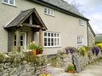 THE HYMMS, character features, games room, woodburner & fire, WiFi, pet-friendly cottage in Walton, Ref. 905113