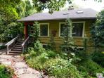 Farmhouse Cottage in the Garden (South West PDX)