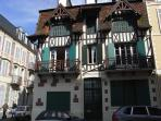 Trouville: Nice 3 bdr apartment sea view, downtown