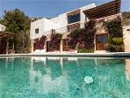 Spacious Villa in walking distance to the beach