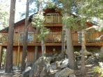 Walk 10 MIN TO BEAR MOUNTAIN ,RELAX IN HOT TUB SECLUDED