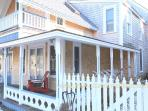 HAYEL - Gingerbread Cottage, Walk to Town, Harbor Area and Inkwell Beach,  Large Summer Porch, Deck,  Some Room AC, Wi-Fi