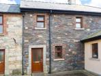 Smuggler's Hide, terraced cottage with woodburner, garden, close to beach, Cullenstown, Ref. 912132