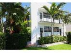 Miami Beach near Ocean 2 Bed 2 Bth Family, modern