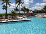 #518 New Modern Oceanfront Studio w/Heated Pool