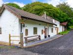 1 BRYNDIAS COTTAGES, mostly ground floor, woodburner, WiFi, parking, garden, in Pembrey, Ref 29702